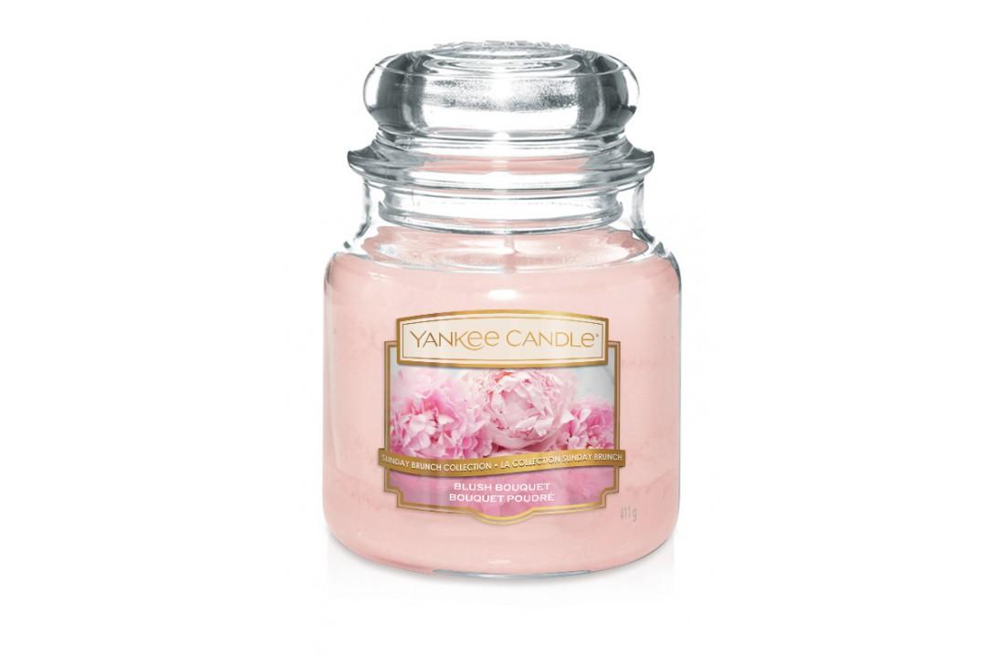 Yankee Candle Blush Bouquet Świeca zapachowa ŚREDNIA