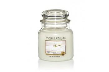 Yankee Candle Fluffy Towels Świeca zapachowa ŚREDNIA